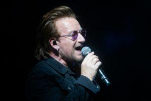 U2 cancela show após Bono ficar sem voz no palco, confira a declaração do cantor