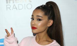 """Ariana Grande lança """"Positions"""", seu aguardado novo álbum"""