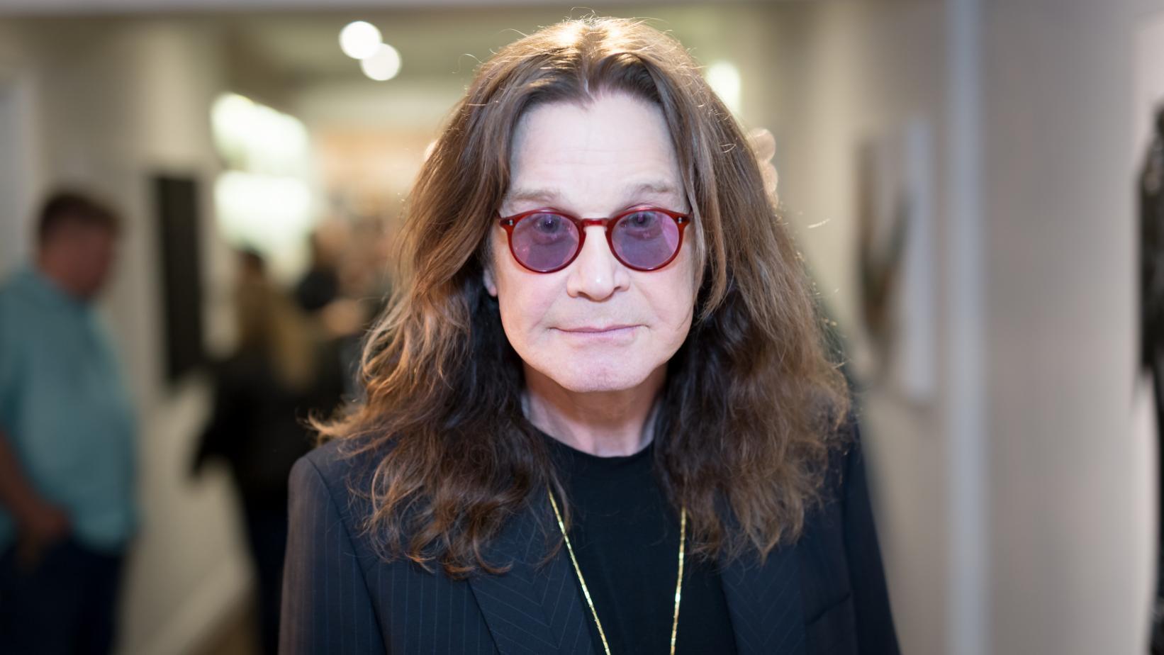 Ozzy Osbourne é hospitalizado, turnê é adiada