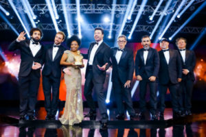 Uma noite de gala comemora os 5 anos do programa The Noite