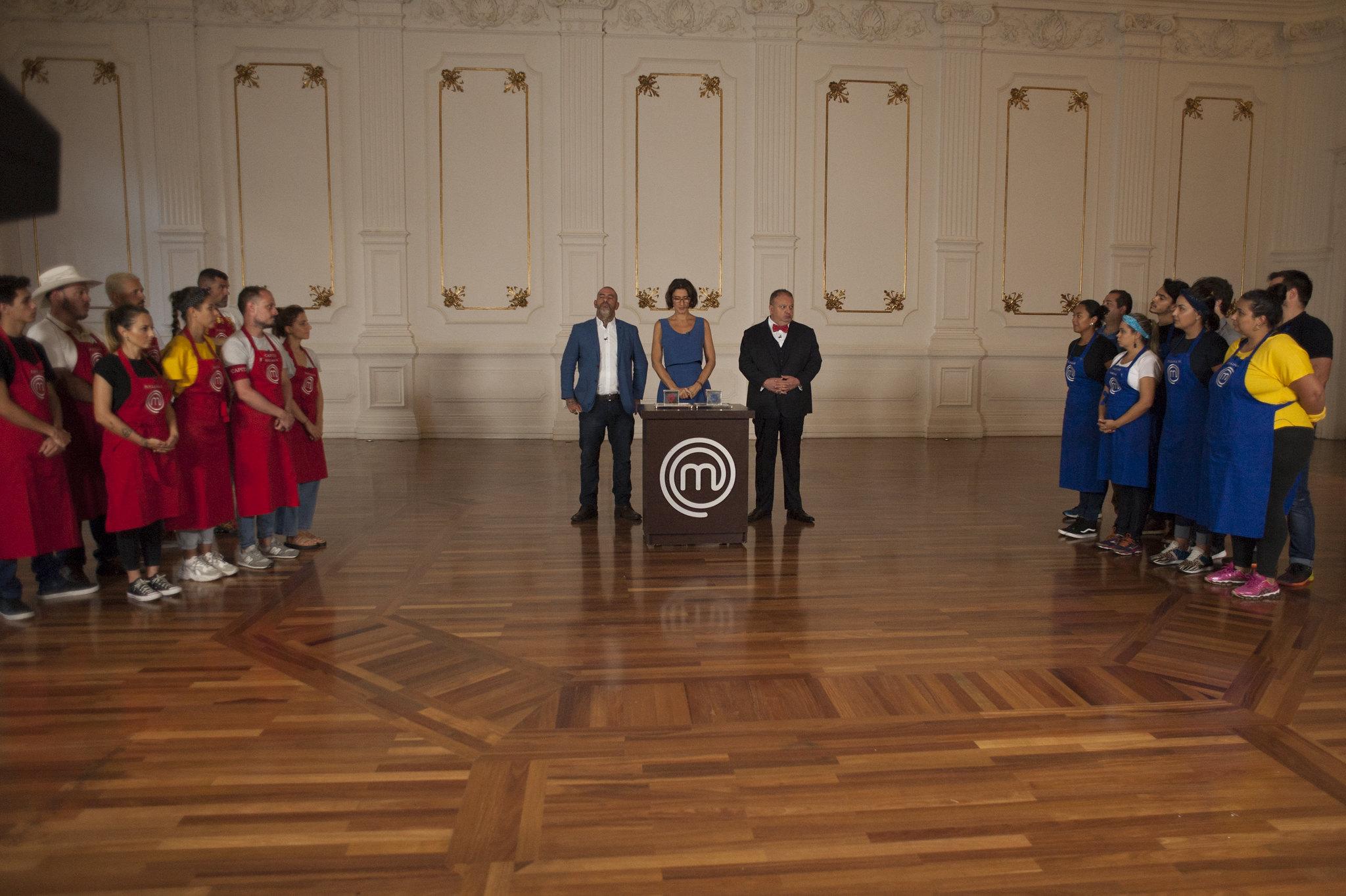 Competidores cozinham para convidados da Orquestra Sinfônica Municipal de São Paulo