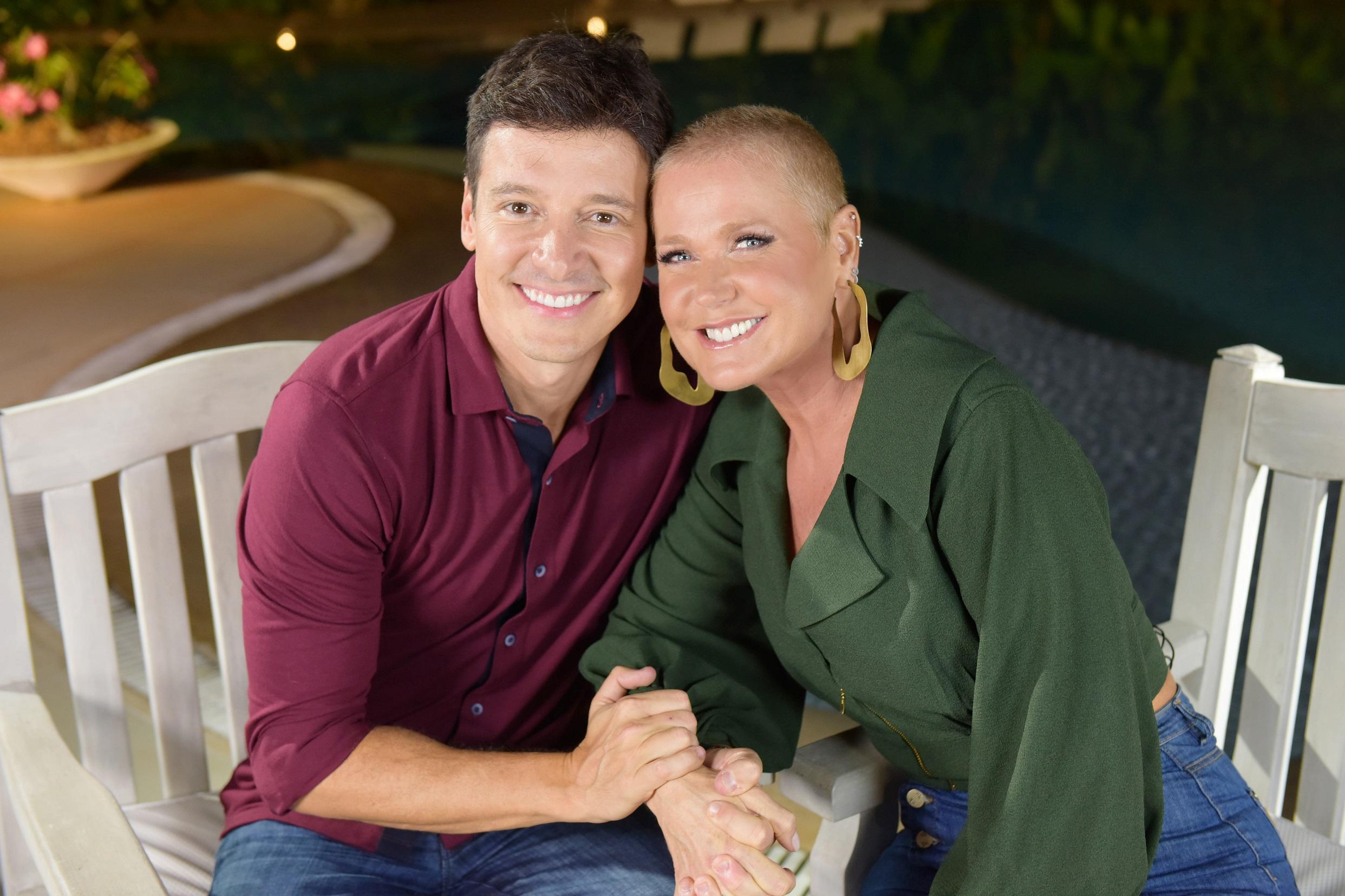RecordTV surpreende e coloca programas com Xuxa e Ana Hickmann aos domingos