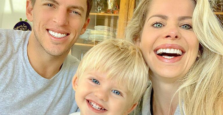 Há mais de um ano tentando engravidar do segundo filho, Karina Bacchi conta detalhes