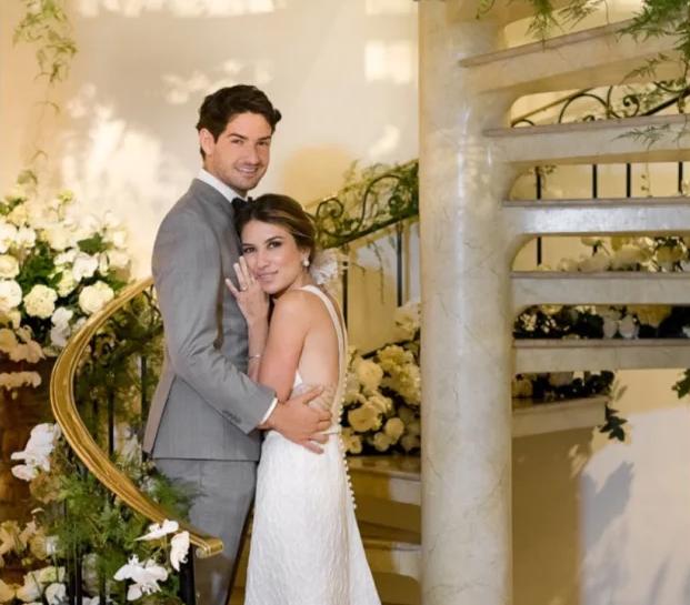"""Pato e Rebeca Abravanel comemoram anivérsario de casamento: """"Você é tudo que sonhei"""", veja"""