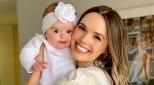 Grávida, cantora Thaeme divulga sexo e nome do segundo filho