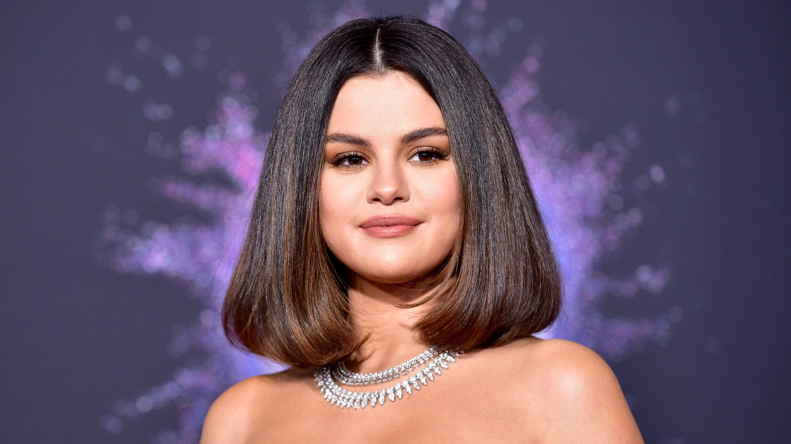Selena Gomez lança novo álbum, Rare; ouça