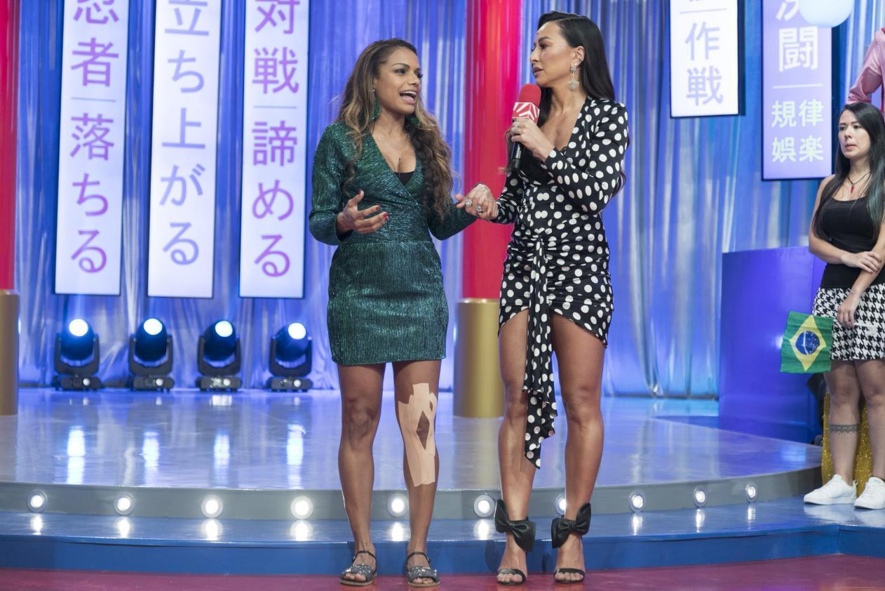 """Quitéria Chagas deixa o """"Made in Japão"""" sob aplausos dos colegas após lesão em joelho"""