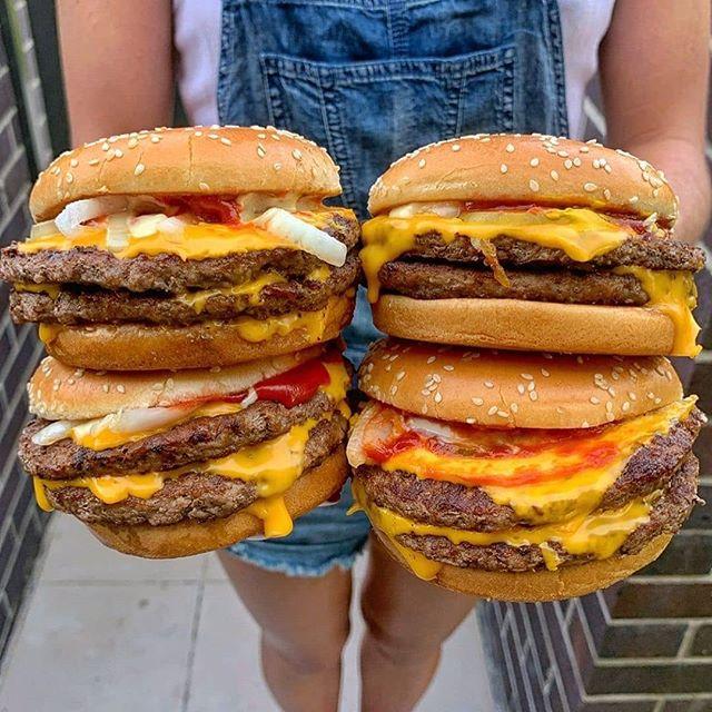 Menino de 5 anos gasta R$ 225 ao pedir McDonald's pelo celular da mãe