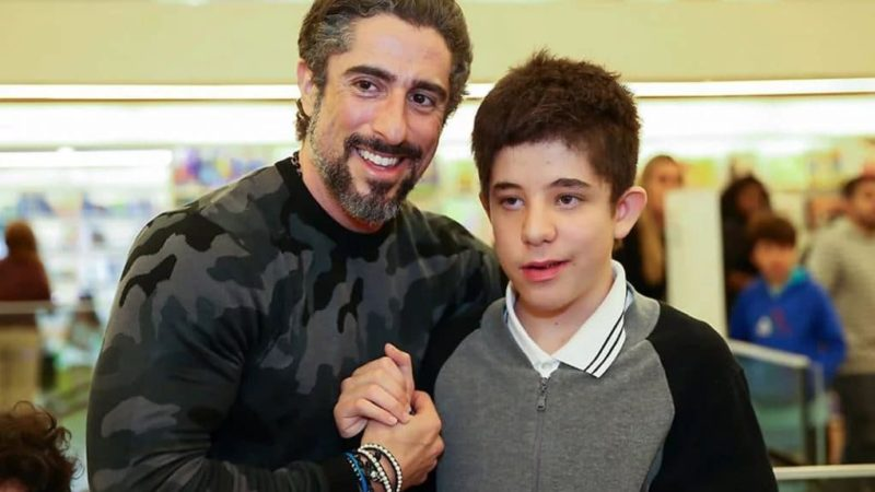 Marcos Mion emociona ao postar foto com o filho para comemorar o Dia do Autista