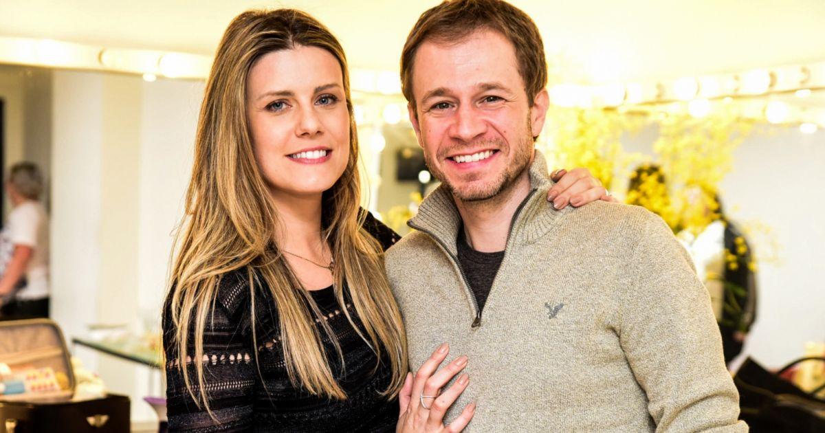 Grávida de 6 meses, esposa de Tiago Leifert comemora e revela nome da filha, saiba qual