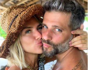 """Giovanna Ewbank posta foto inédita dos três filhos juntos: """"Amores da minha vida"""", veja"""