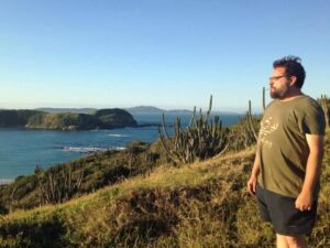 Ilustrador e podcaster do Nerdcast, Harald Stricker morre aos 47 anos