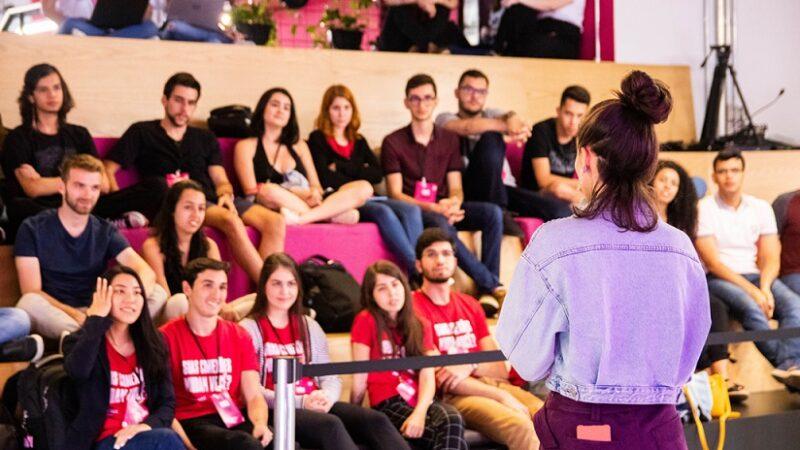 60% dos inscritos no maior desafio universitário da América Latina são mulheres