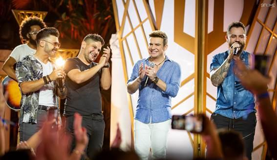 AO VIVO | Marcos e Belutti fazem live para celebrar novo lançamento, assista