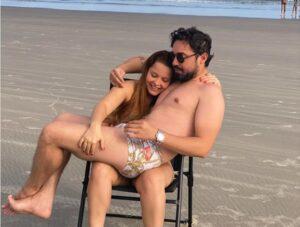 Após reatarem namoro, Fernando Zor surge no colo de Maiara, veja