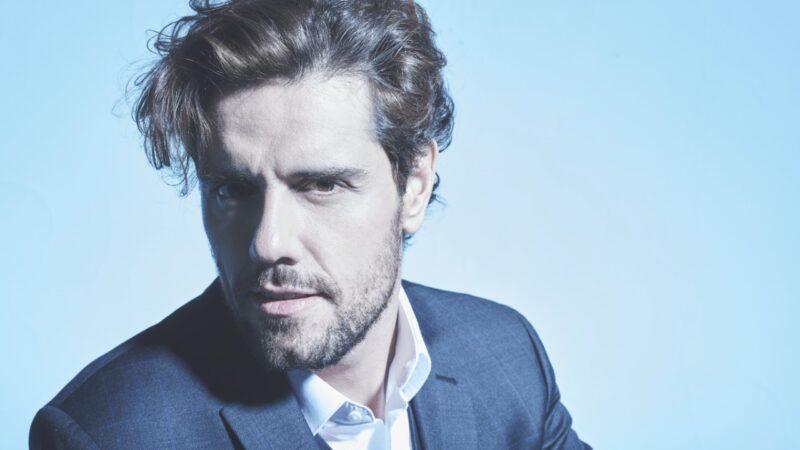 """Assista ao show ao vivo de Thiago Arancam no """"Música na Band"""" desta sexta-feira"""