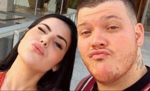 Esposa de Ferrugem entrega traição do cantor em barraco na internet