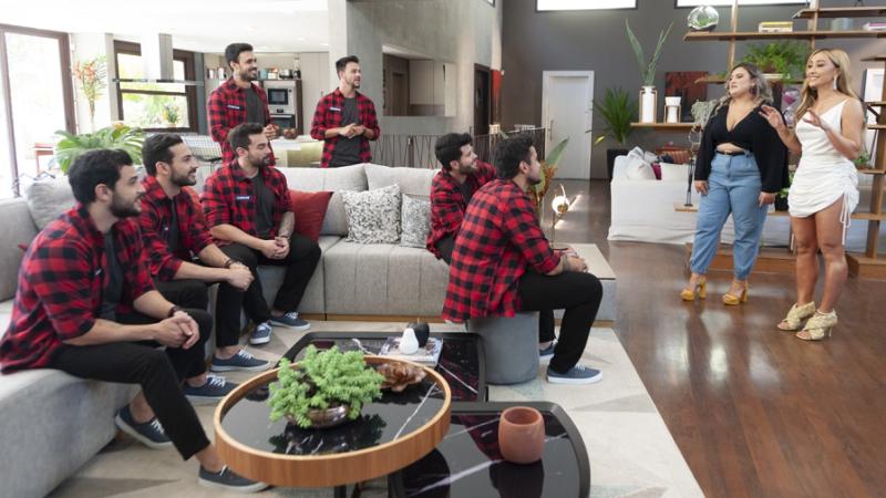 Game dos Clones: Pretendentes lançam xavecos e enfrentam corrida de kart