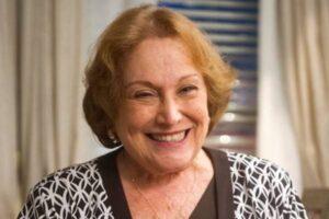 Beth Goulart homenageia a mãe Nicette Bruno um mês após sua morte