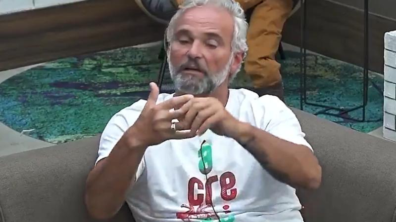 Mateus Carrieri é eliminado de A Fazenda 12