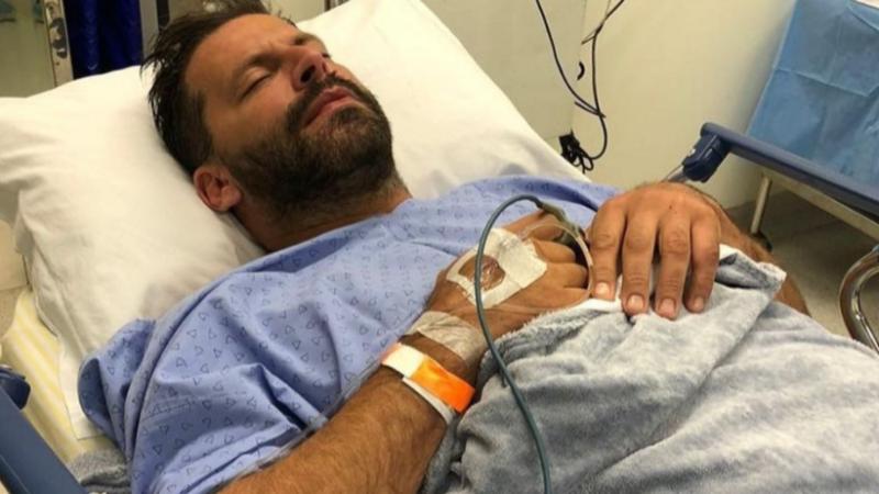 Ator Henri Castelli diz que foi fortemente agredido com socos e chutes