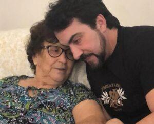 """""""Que dor!"""" Morre a mãe do Padre Fábio de Melo"""