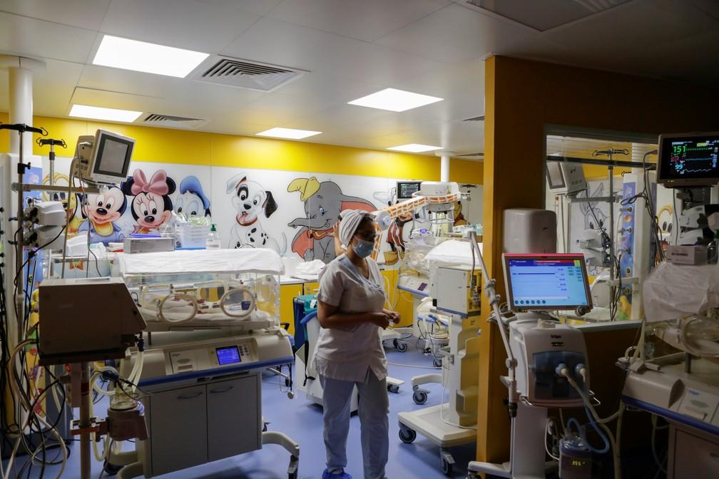 SURPREENDENTE: Mulher dá à luz 9 bebês de uma vez